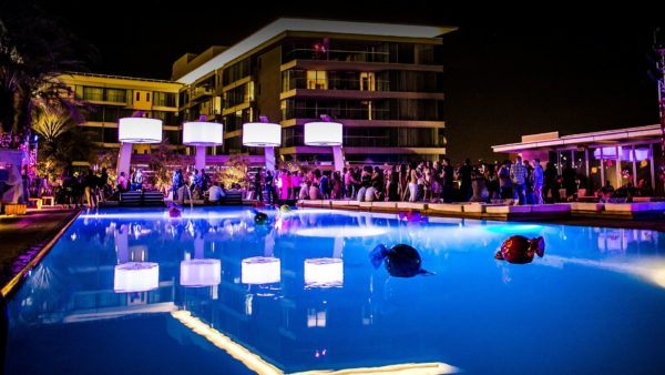 24 hours in Scottsdale Arizona w hotel pool party evening