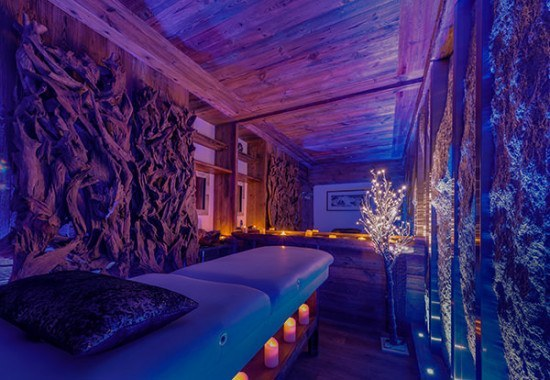 The Chalet Lhotse Massage room