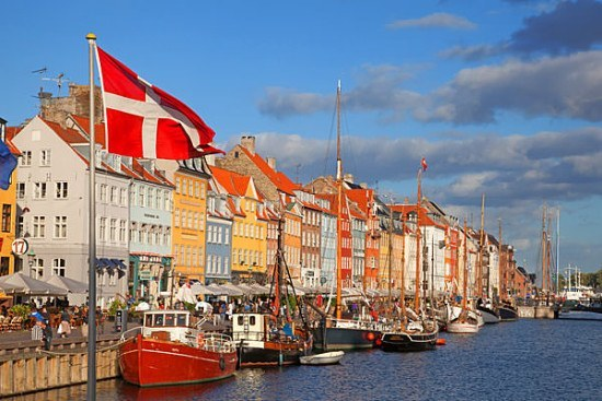 I am praying for a bit of sun in Copenhagen - can you imagine seeing this live?