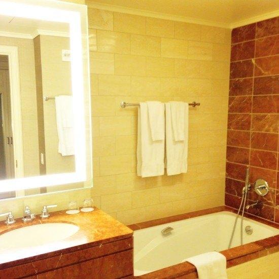 A smart classic bathroom