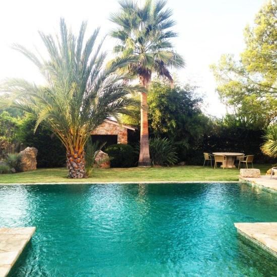 A lovely lovely pool