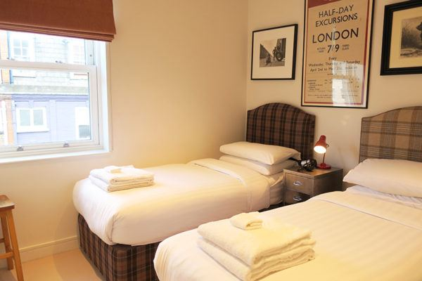 onefinestay london marylebone mayfair james II luxury apartment rental bedroom 2
