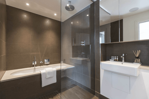 onefinestay london marylebone mayfair luxury apartment rental master amenities bathroom1