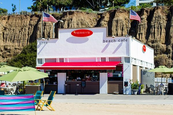 perrys-cafe-santa-monica-beach-california
