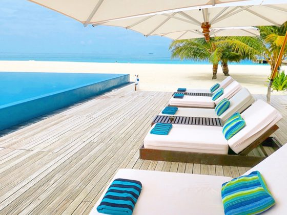 velassaru-maldives-slh-hotels-sovereign-luxury-holiday-main-pool