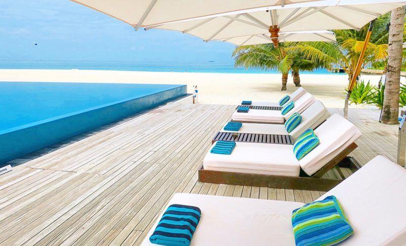 velassaru-maldives-slh-hotels-sovereign-luxury-holiday-main-pool