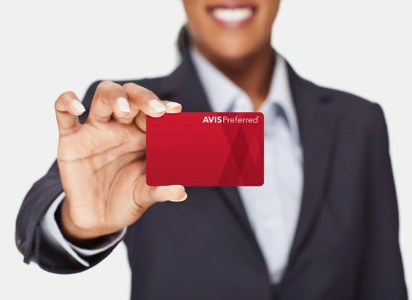 avis-preferred-card-business-woman