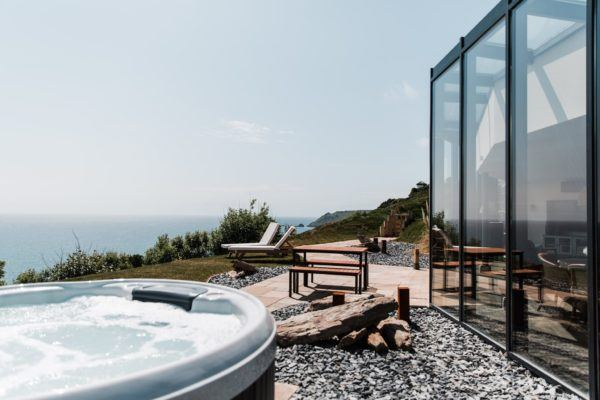 gara rock luxury hotel salcombe south devon england with a pool