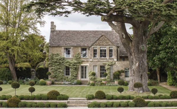 thyme-hotel-cotswolds-united-kingdom-luxury hotel with pool cotswolds