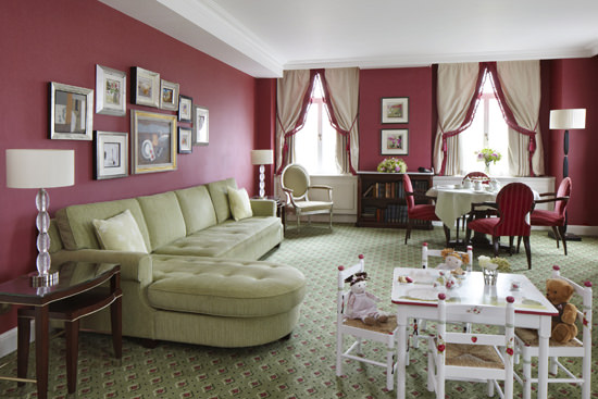 A lovely traditional suite with plenty of space to play!