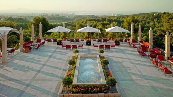 A luxury long weekend in Mallorca - gin tonic terrace Castillo son vida