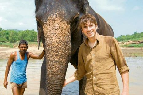 Simon and a special friend during the shooting of Indian Ocean