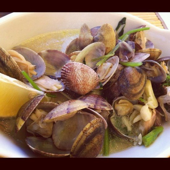 Clams with white wine sauce, coriander and garlic - Heaven as I call it
