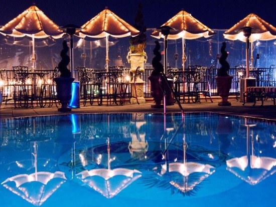 Market Pavillion Pool