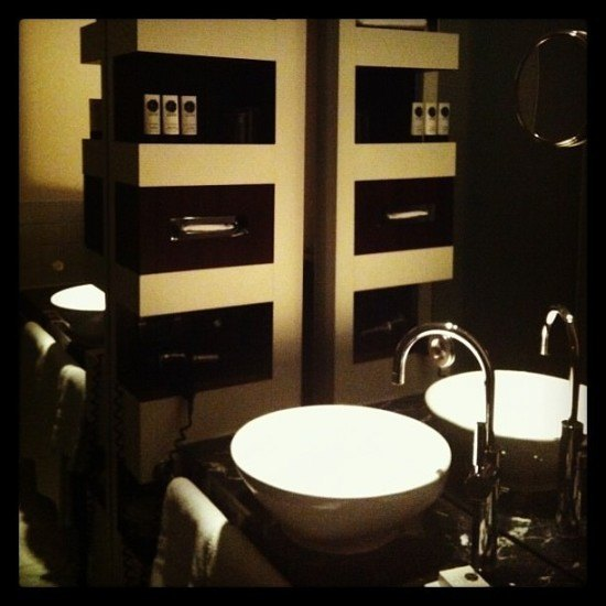 I have a thing for well-designed bathrooms...